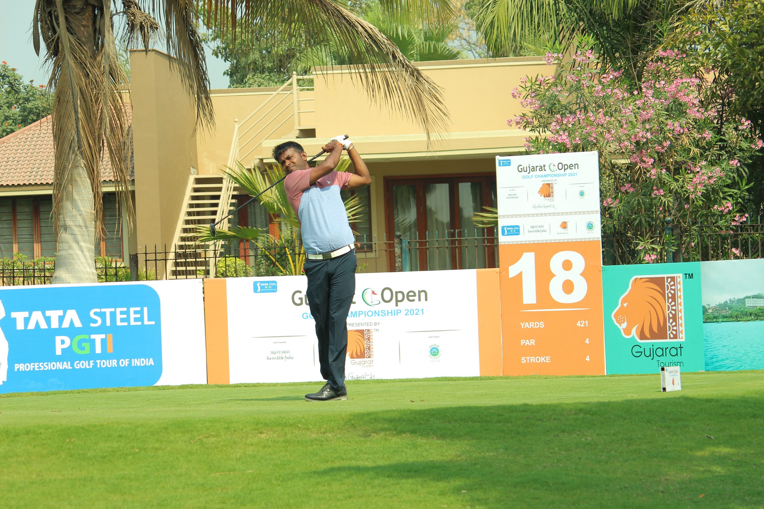 Om Prakash takes 5-shot lead after Round 3 at Gujarat Open; Lohan moves to 2nd